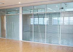 办公室百叶玻璃隔断