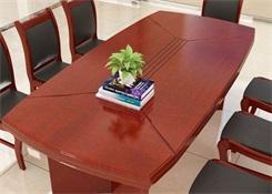 棕色实木会议桌