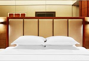 酒店客房双人床
