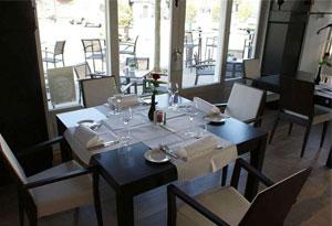 西餐厅桌椅设计