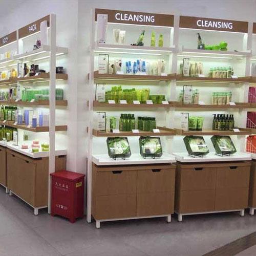 上海药妆店货架定制案例
