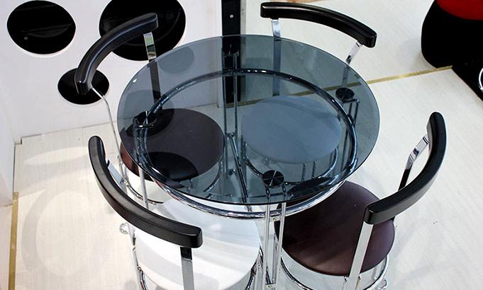 奉贤办公家具厂家推荐玻璃洽谈桌的款式