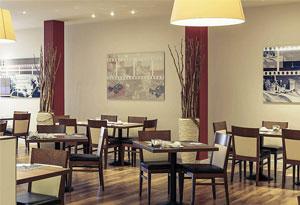 上海西餐厅桌设计