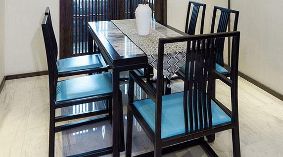 新中式餐桌餐厅特点