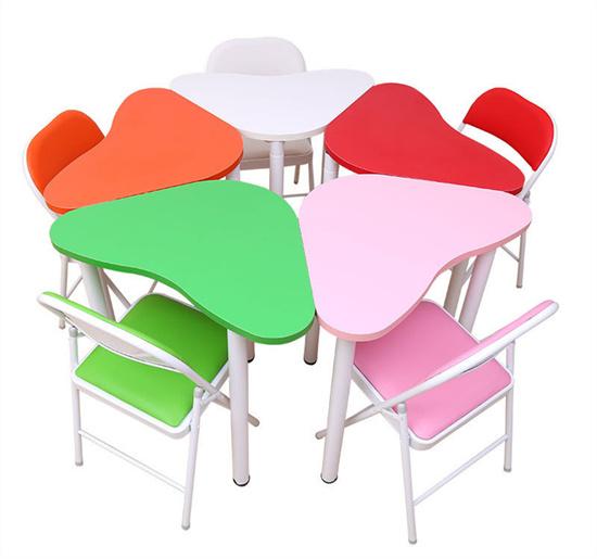 学校团体活动桌组合 学生活动课桌互动桌花瓣形