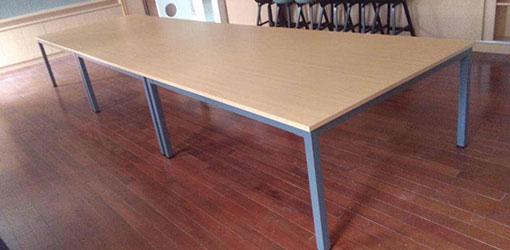 学校钢木会议桌-品源学校家具定制
