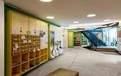 上海宝山区公司内设置一个图书角