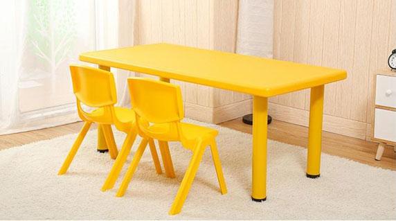 早教中心桌椅特点