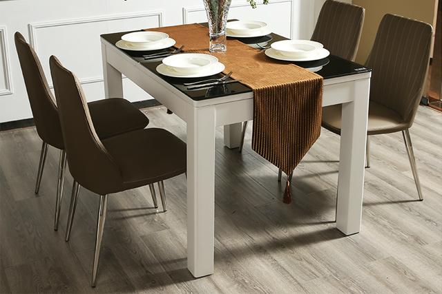 西餐厅桌椅组合