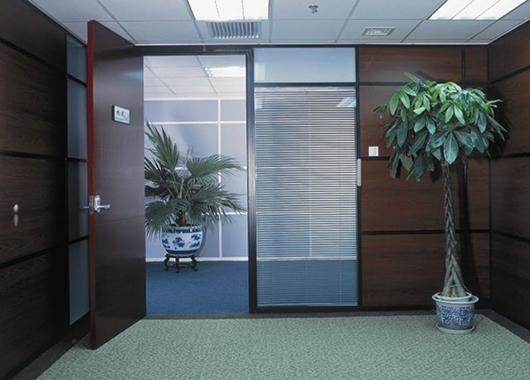 办公室木质隔断