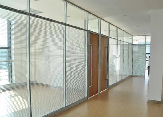 隔音高隔断 双层玻璃隔断 带百叶