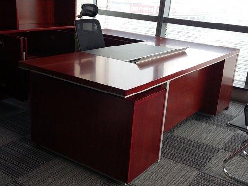 现代简约办公桌 总经理大班台 BT