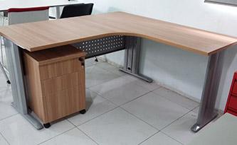 米色系办公桌3