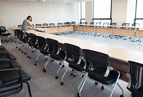 40人大型会议室会议桌椅解决方案