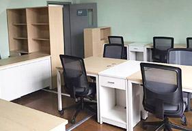 办公桌与书柜的组合设计方案
