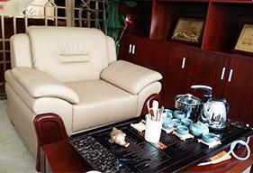 中式风格的公司接待区家具定制:中式沙发茶几组合