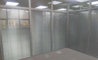 双玻百叶隔断定制-品源玻璃隔断