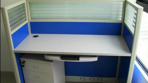 单人屏风办公桌特点
