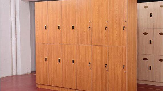 办公木质更衣柜功能