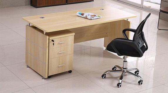 板式班台经理办公桌特点
