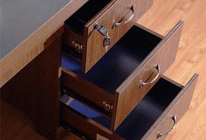 办公桌一带三抽屉锁