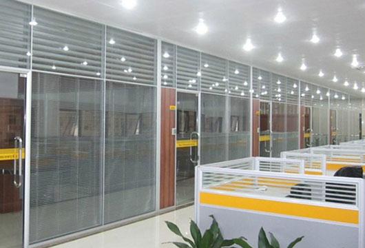 公司玻璃高隔��