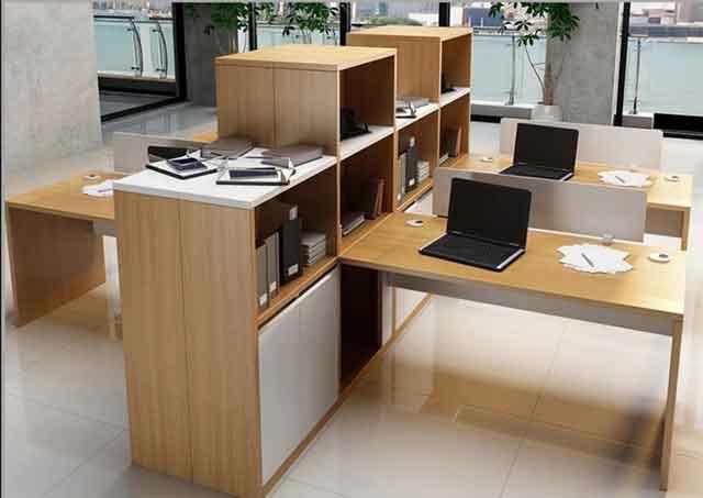 屏风六人办公卡位-办公桌六人位-屏风卡位中间玻璃-钢化玻璃办公卡位