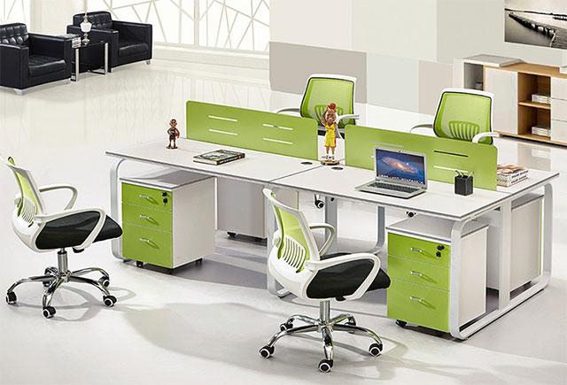 隔板四人位办公桌_格挡办公桌_隔档办公桌椅