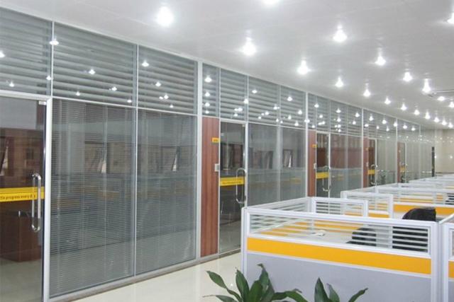 公司玻璃高隔断 上海百叶玻璃隔断 双玻百叶隔断墙 WGGP024-品源