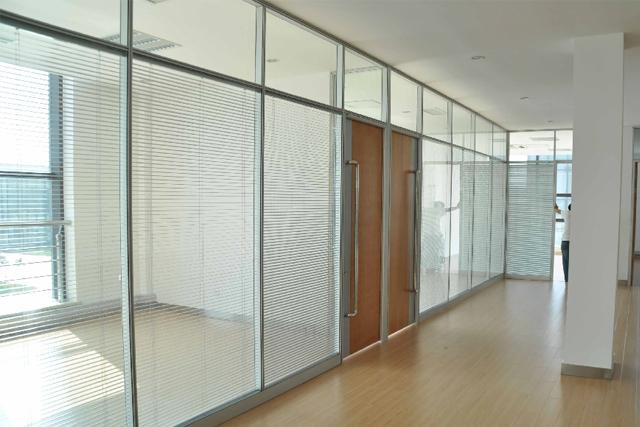 上海隔音高隔断 双层玻璃带百叶高隔墙 办公室隔间 WGGP022-品源